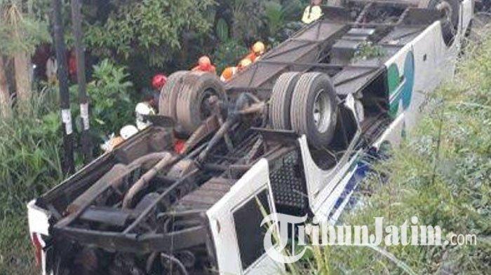 Kronologi Bus Kramat Jatim Terbalik, Sopir Ngantuk Bikin Bus Oleng, Dua Korban Tewas di Tempat