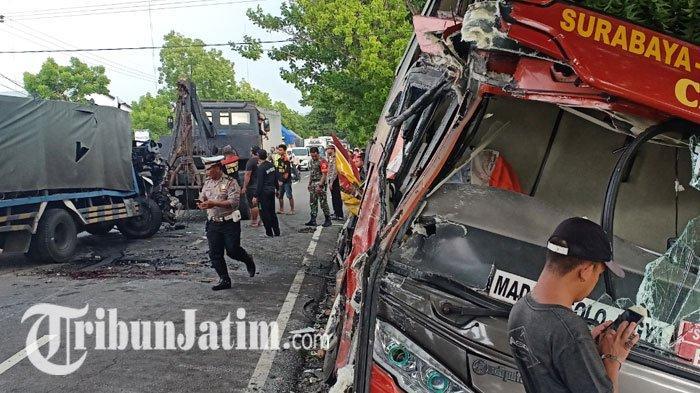 Penyebab Kecelakaan Bus Sugeng Rahayu Tertabrak Truk Pengangkut Gas: Diduga Sopir Truk Mengantuk