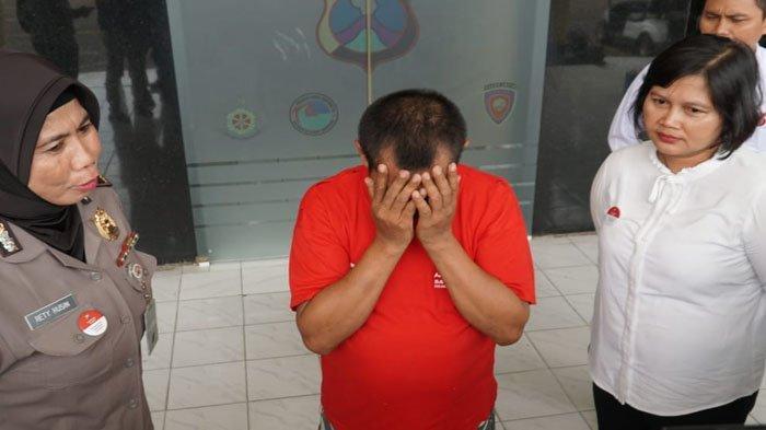 Pria dari Surabaya Ini Tega Cabuli Keponakannya Yang Berusia 10 Tahun, Diringkus Polisi di Rumahnya