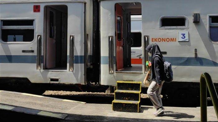 Uji Coba New Normal, Penumpang Kereta di Stasiun Blitar Mulai Meningkat