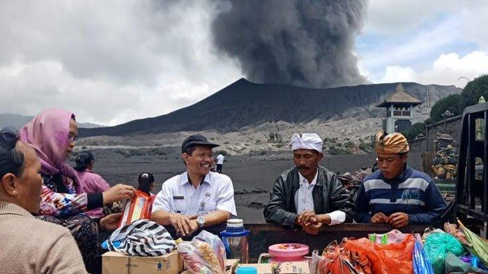 Gunung Bromo Erupsi, Kondisi Kecamatan Sukapura Tetap Aman dan Aktivitas Normal Seperti Biasa