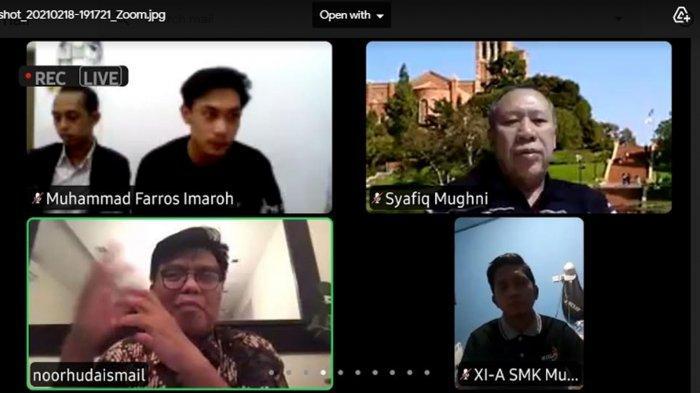Cangkir Opini bersama Dewan Pimpinan Daerah (DPD) Ikatan Mahasiswa Muhammadiyah (IMM) Jawa Timur menggelar diskusi kebangsaan bertema Islam Moderat Untuk Indonesia Damai via aplikasi Zoom pada Kamis (18/2/2021).