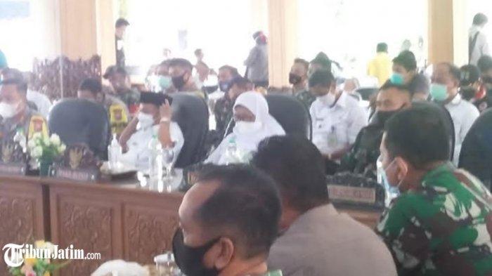 Bupati Bung Karna Minta Daerah Terpapar Covid-19 Dilokalisir, Optimis Kabupaten Situbondo Zona Biru