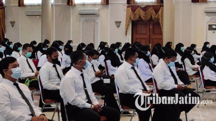 ILUSTRASI - CPNS Ponorogo Formasi Tahun 2019 Menerima SK Bupati di Gedung Sasana Praja Jalan Diponegoro, Ponorogo.