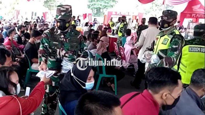 Danrem 081/DSJ Tinjau Vaksinasi di Tulungagung, Harap Bisa Lebih Cepat dari Penyebaran Covid-19