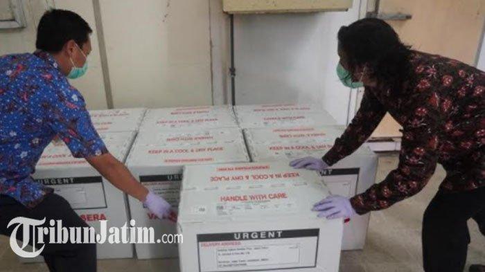 77.760 Vaksin Covid-19 Tiba di Jatim, Khofifah Sebut Baru Cukup untuk 19,79 Persen SDM Kesehatan