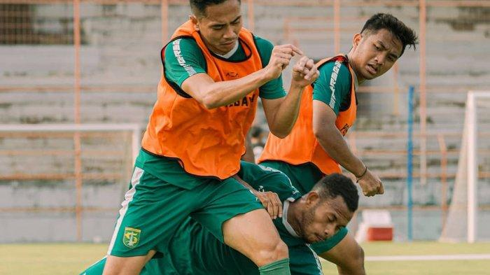 Respons Aji Santoso soal Pemain Trial Daud Irfan Kararbo yang Cetak Gol di Uji Coba Lawan Persekat