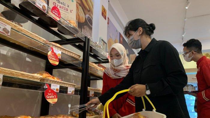 Promo Outlet Baru Dea Bakery Kapas Krampung, Beli Dua Gratis 1 Selama Enam Hari
