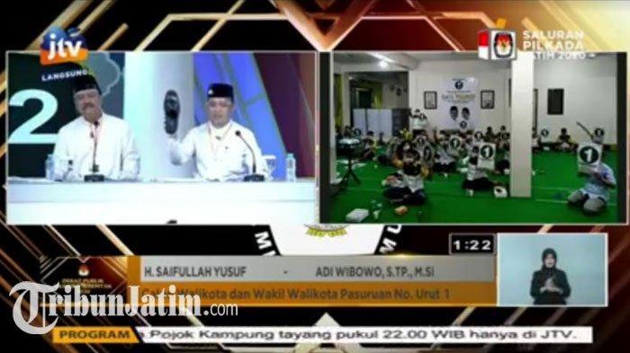 Tutup Debat Pilkada Kota Pasuruan,Gus Ipul-Mas Adi Pamerkan Sepatu Hitam UMKM: Ini Kebanggaan
