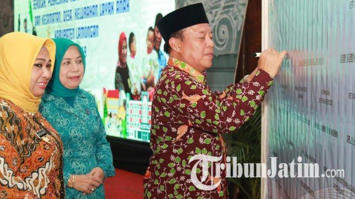 Target Kabupaten Layak Anak Naik Kelas, Lamongan Deklarasikan Pelayanan Publik Ramah Anak