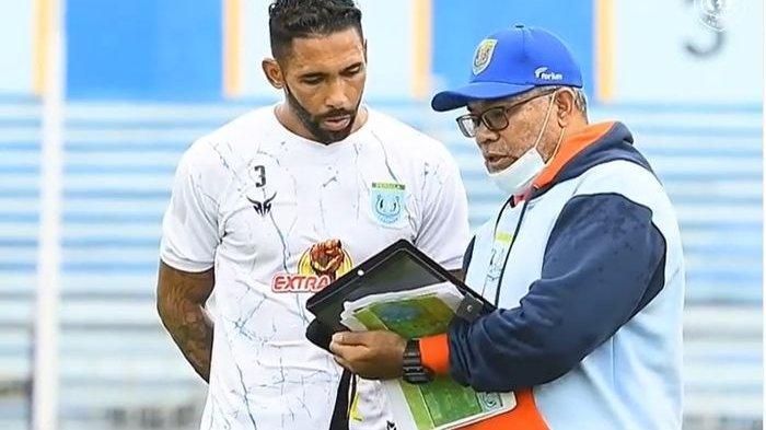 Pelatih Persela Minta Pemainnya Lakukan Dua Hal saat Hadapi Arema FC