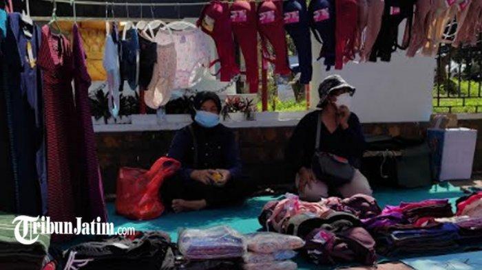 Demo Pedagang Stadion Supriyadi di Depan Gedung DPRD Kota Blitar, 'Pean Belo Rakyat Opo Mbelo Juari'