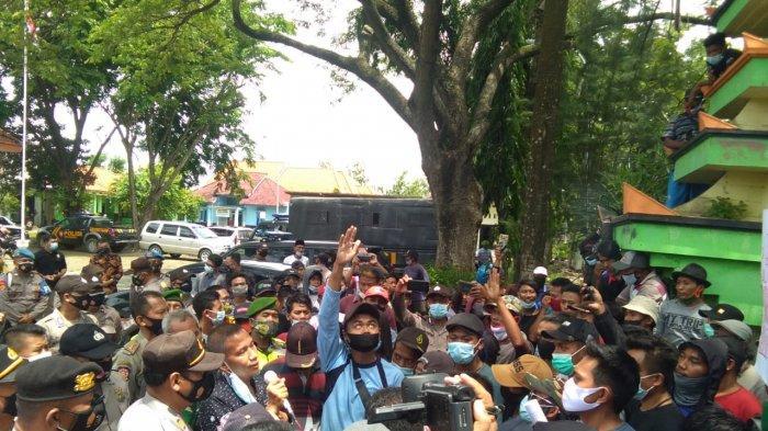 Dua Hari Digempur Gelombang Demo Warga Korban Banjir, Dinas Terkait Baru Bergerak