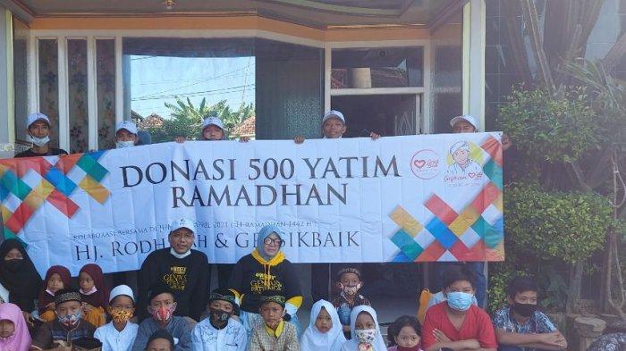 Jelang Hari Raya Idul Fitri, Dermawan Warga Gresik Bagikan Santunan ke 500 Anak Yatim Piatu