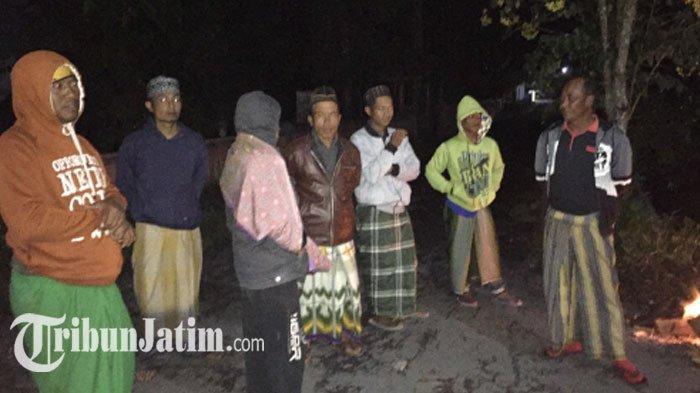 Warga 4 Dusun Ini Mulai Mengungsi, Bapak-bapak Bertahan di Rumah Pantau Aktivitas Gunung Semeru