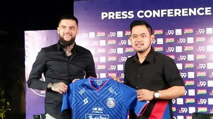 Diego Michiels Resmi Dikenalkan, Presiden Arema FC Ungkap Awal Mula Jalin Komunikasi