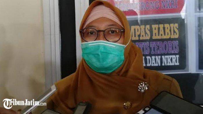 Vaksinasi AstraZeneca di Jember Tidak Dihentikan, Begini Penjelasan Plt Kedinkes dr Wiwik Supartiwi