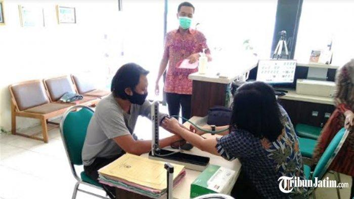 Kejari Tanjung Perak Laksanakan Eksekusi Buron Kasus Kepabeanan di Tenggilis Mejoyo
