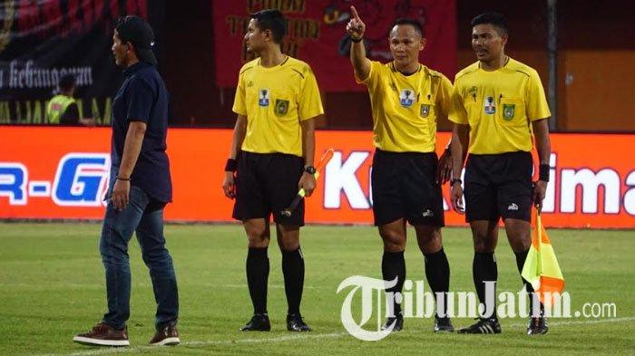 Kalah dari Madura United, Djadjang Nurdjaman Tuding Keputusan Wasit Rugikan Persebaya