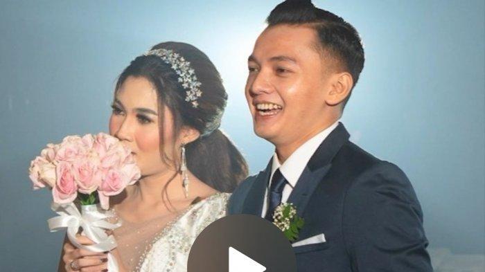 Dory Harsa yang telah resmi menikahi Nella Kharisma