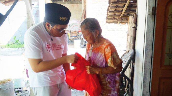 Jelang Idul Fitri, RIB Gresik Bagikan Sembako ke Komunitas Tuna Netra