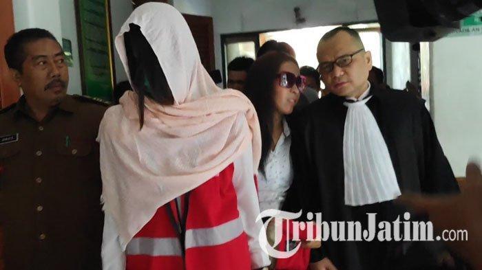 Jalani Sidang Perdana di PN Surabaya, Dua Muncikari Prostitusi Online Pilih Tak Ajukan Eksepsi