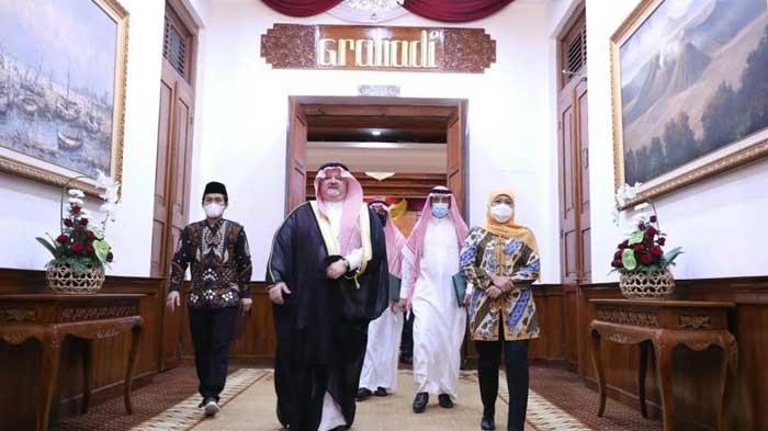 Dubes Arab Saudi Temui Gubernur Khofifah, Bicarakan Umrah hingga Rencana Pembukaan Kantor Konsulat