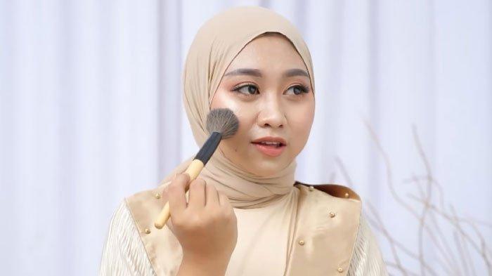 Geluti Hobi Saat Lapangan Kerja Sulit, Surya Ella Sukses Jadi Profesional Makeup Artist Wedding