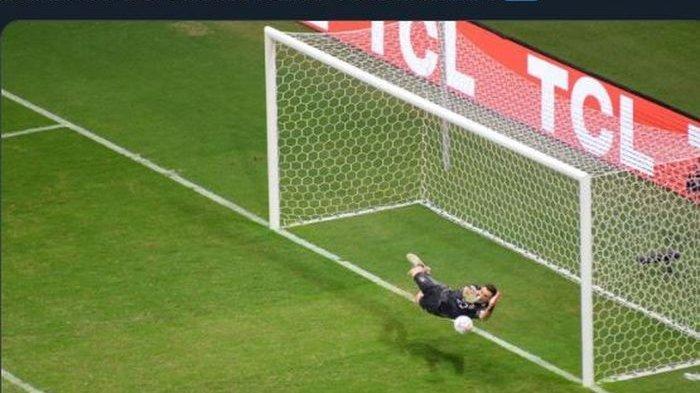 Emiliano Martinez, Kiper Pahlawan Argentina, Awal Karier dari Divisi 4 Liga Inggris, Dibuang Arsenal