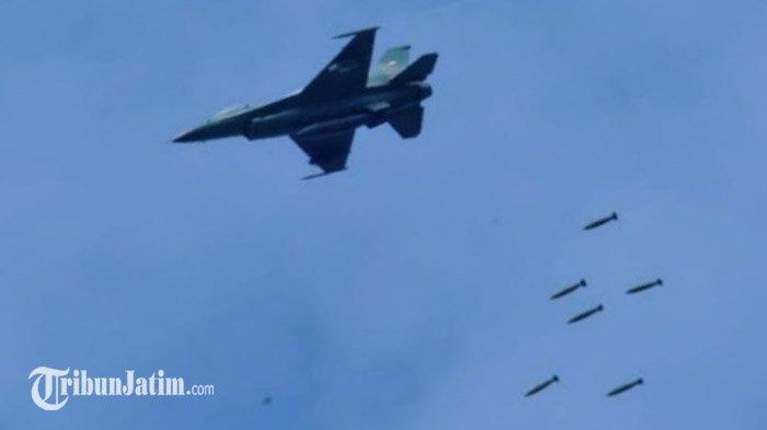 Empat Pesawat Tempur F 16 Fighting Falcon Jatuhkan 16 Bom dari Langit Kabupaten Situbondo