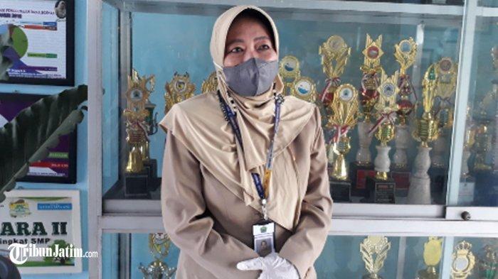 Senangnya Guru Matematika SMPN 6 Kota Malang Mulai PTM Terbatas: Sudah Kangen Siswa