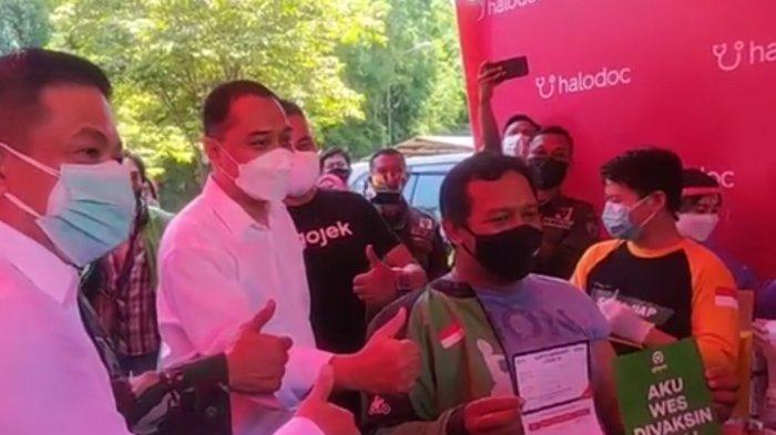 Tinjau Vaksinasi Drive-thru di Surabaya, Cak Eri: Kami Terus Berinovasi untuk Kenyamanan Warga