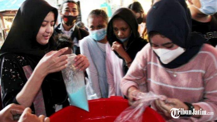 Segarnya Es Permen Karet, Menu Buka Puasa Favorit di Surabaya, Omzet Jualannya Rp 3 Juta Per Hari