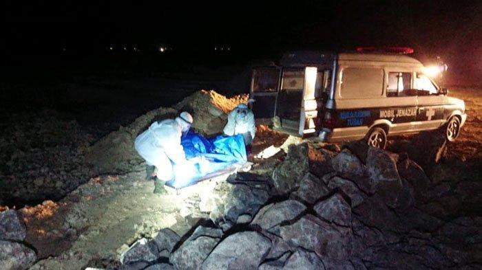 Mengira Lihat Batang Kayu di Pantai Desa Wadung Jenu, Pria Tuban Kaget Temukan Tubuh Manusia