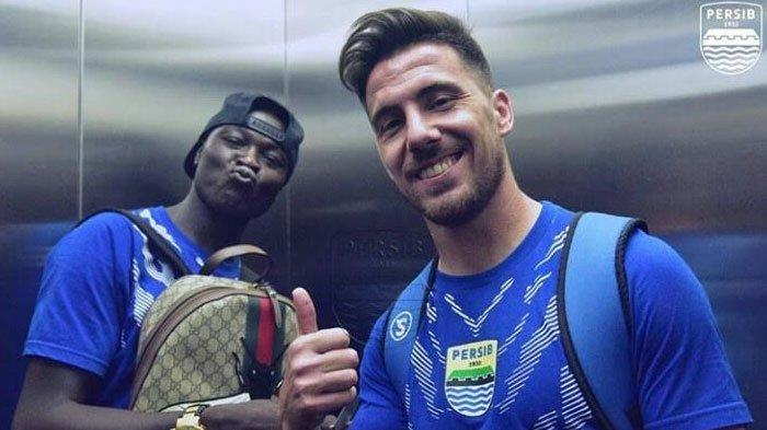 Ezechiel N'Douassel dan Jonathan Bauman Sudah 'Dibooking' Mario Gomez, Sinyal Bakal Gabung Arema FC?