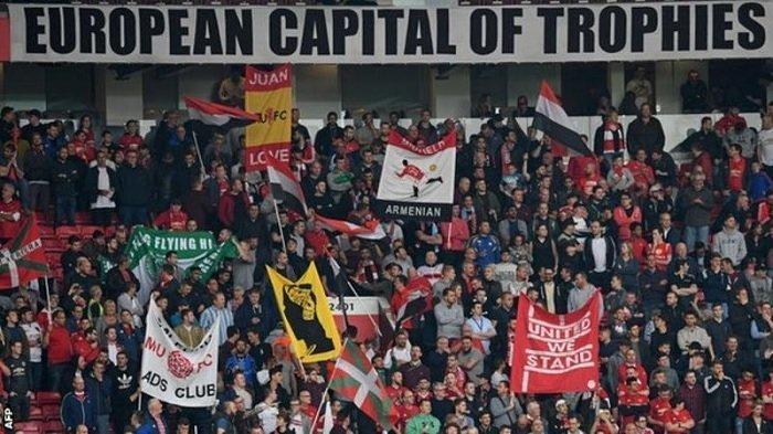 VIDEO - Fans Manchester United Dikeroyok Hooligan Lechia Gdansk Jelang Final Liga Europa