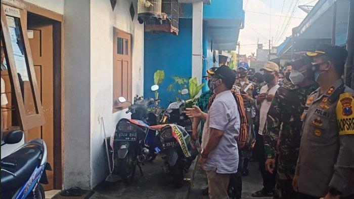 Tinjau Pasien Isoman, Forkopimda Kota Malang Serahkan Bantuan Sembako