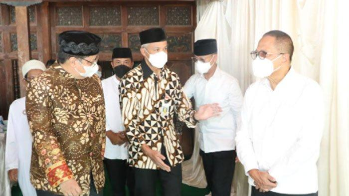 Airlangga dan Ganjar Ikuti Perayaan Grebeg Apem Yaaqowiyyu di Klaten Secara Sederhana