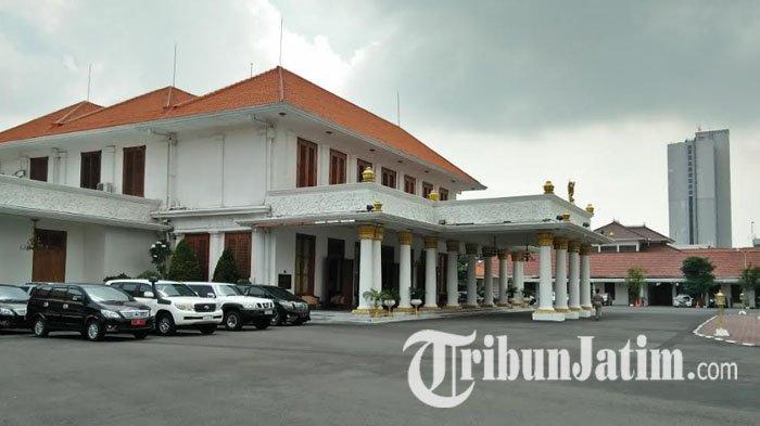 Besok 17 Kepala Daerah Terpilih di Jatim ke Grahadi, Ikuti Gladi Resik Pelantikan Secara Offline