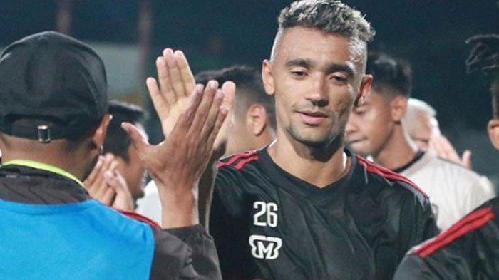 Resmi Berseragam Madura United, Bruno Matos Bertekad Bawa Laskar Sape Kerrab Finis di Papan Atas