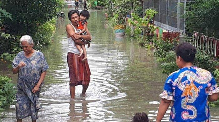 Hujan Deras, 7 Kecamatan di Bojonegoro Terendam Banjir, Warga Kaget Air Masuk Rumah Dini Hari
