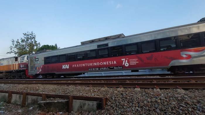 Meriahkan HUT Kemerdekaan RI ke-76, PT KAI Pasang Tampilan Khusus di Lokomotif dan Gerbong Kereta
