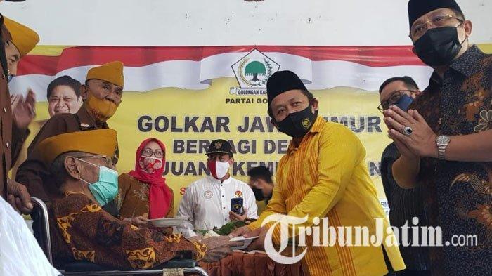 Berlinang Air Mata, Golkar Beri 'Kado' Veteran Surabaya saat HUT RI, Santunan hingga Aliran Listrik