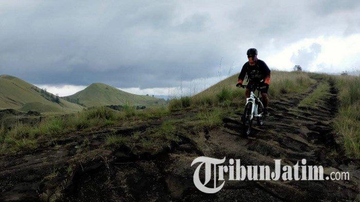 Mencoba Gowes Seru nan Menantang di Jalur Kawah Wurung Bondowoso, Bonus Pemandangan Menyejukkan Mata