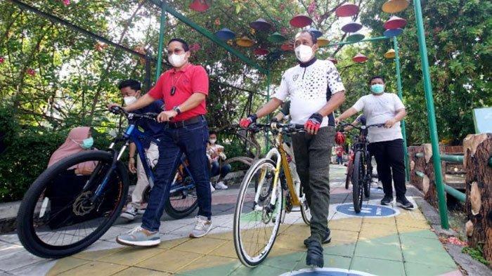 Gowes to Zoo Awali Antusiasme Warga Kunjungi Pembukaan Kebun Binatang Surabaya