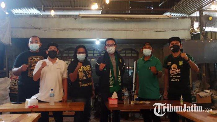 Bincang Santai dengan Bonek di Surabaya, Ridwan Kamil Harap Persaudaraan Bonek-Bobotoh Jadi Contoh