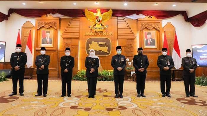 Lantik Tiga Staf Ahli Gubernur Jawa Timur, Khofifah: Segera Lakukan Koordinasi dan Sinkronisasi