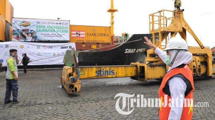 Langsung Tancap Gas, Gubernur Jatim Khofifah Lepas Kapal Kemanusiaan ke Kalsel Bersama ACT