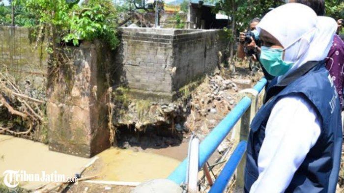 Jembatan Ngunut Putus Total, Gubernur Khofifah: Harus Segera Diperbaiki dan Dipasang Plengsengan