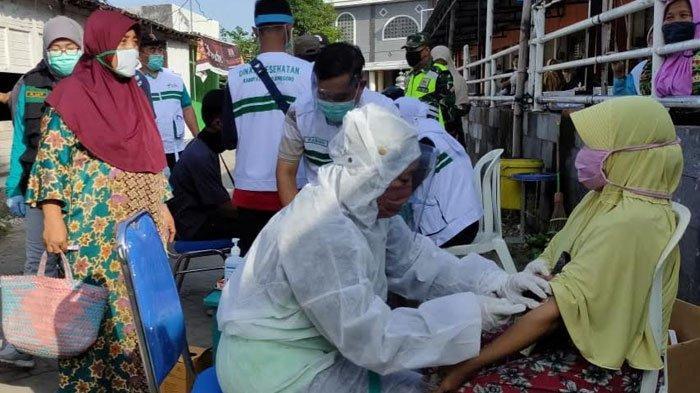 Rapid Test Massal di 3 Pasar Tradisional Bojonegoro, Hasilnya 3 Pedagang Reaktif, Langsung Diisolasi